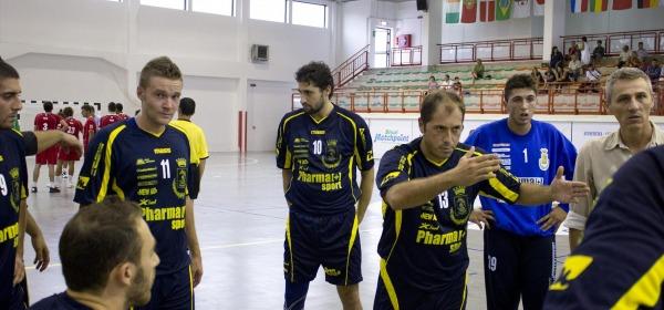 D'Arcangelo dà istruzioni alla squadra